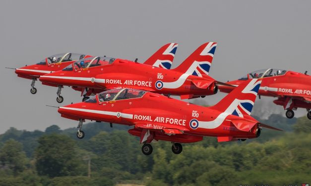 AIRSHOW NEWS: Red Arrows to perform Air Tattoo farewell before North American tour