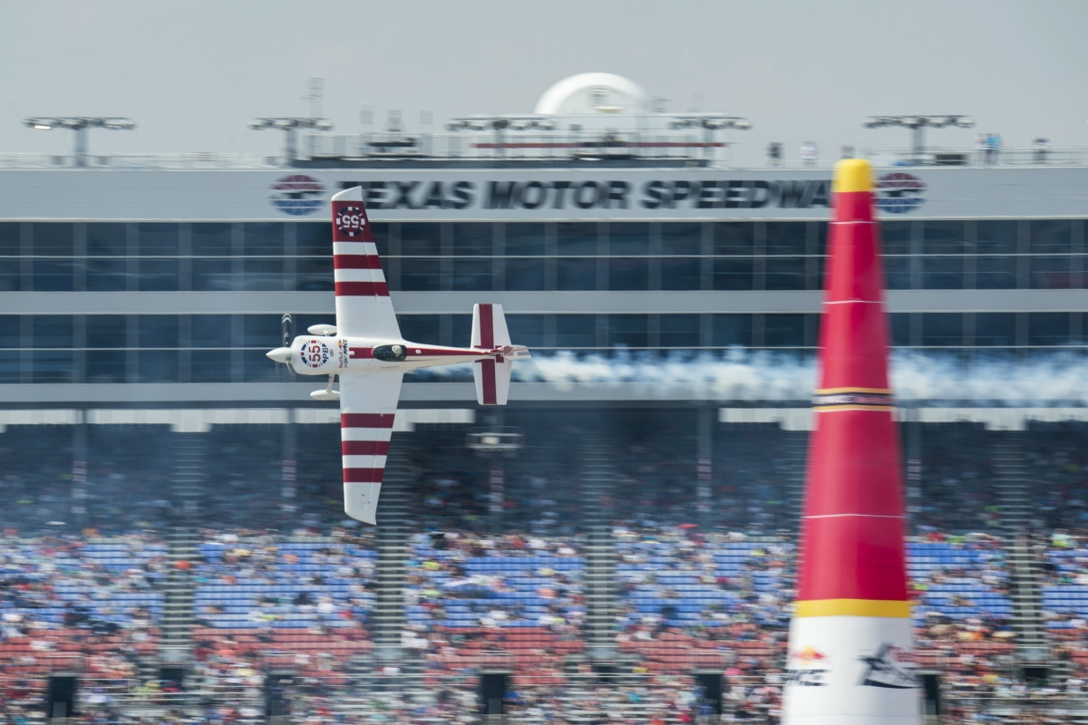 RED BULL AIR RACE: Bonhomme edges Hall at Red Bull Air Race scorcher in Fort Worth