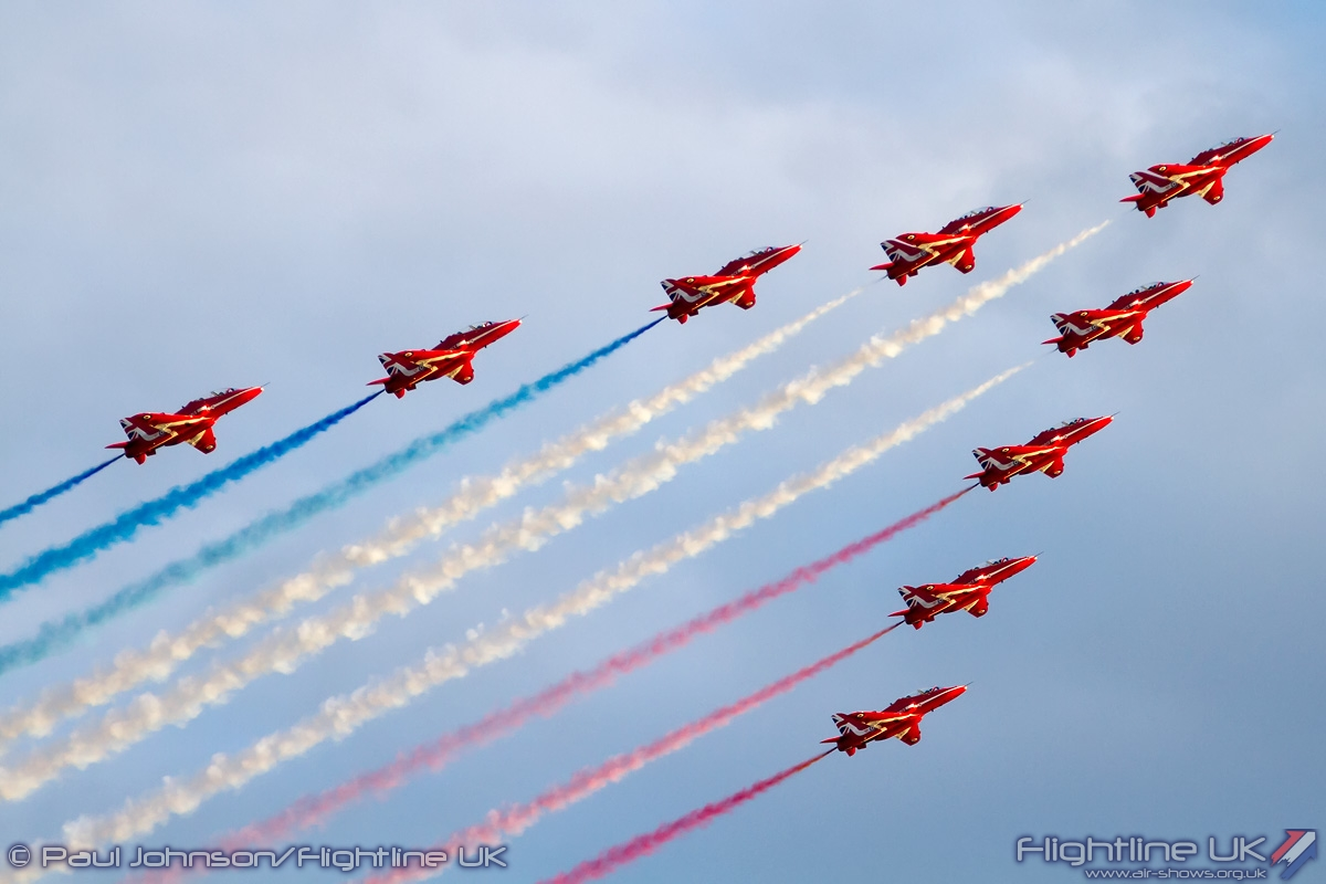 AIRSHOW NEWS: RAF Red Arrows Display Dates 2016