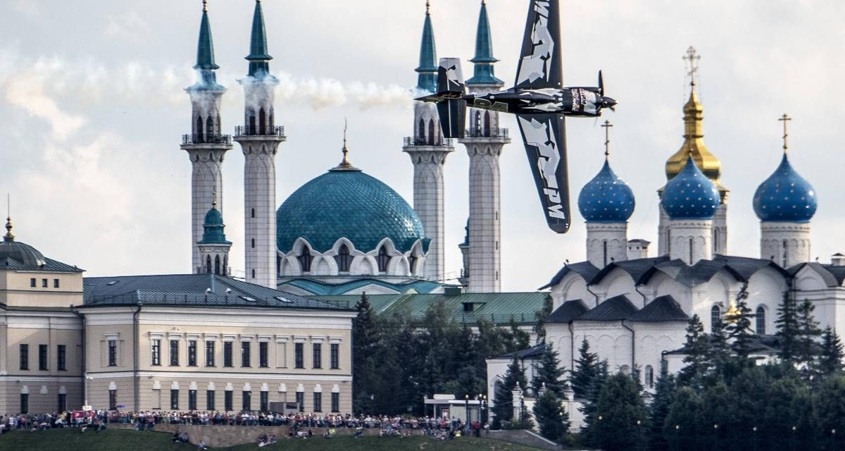 RED BULL AIR RACE: McLeod clinches Qualifying hat trick in landmark Russian debut