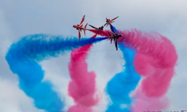 AIRSHOW NEWS: Commentary expert speaks up for new Haven Great Yarmouth Air Show