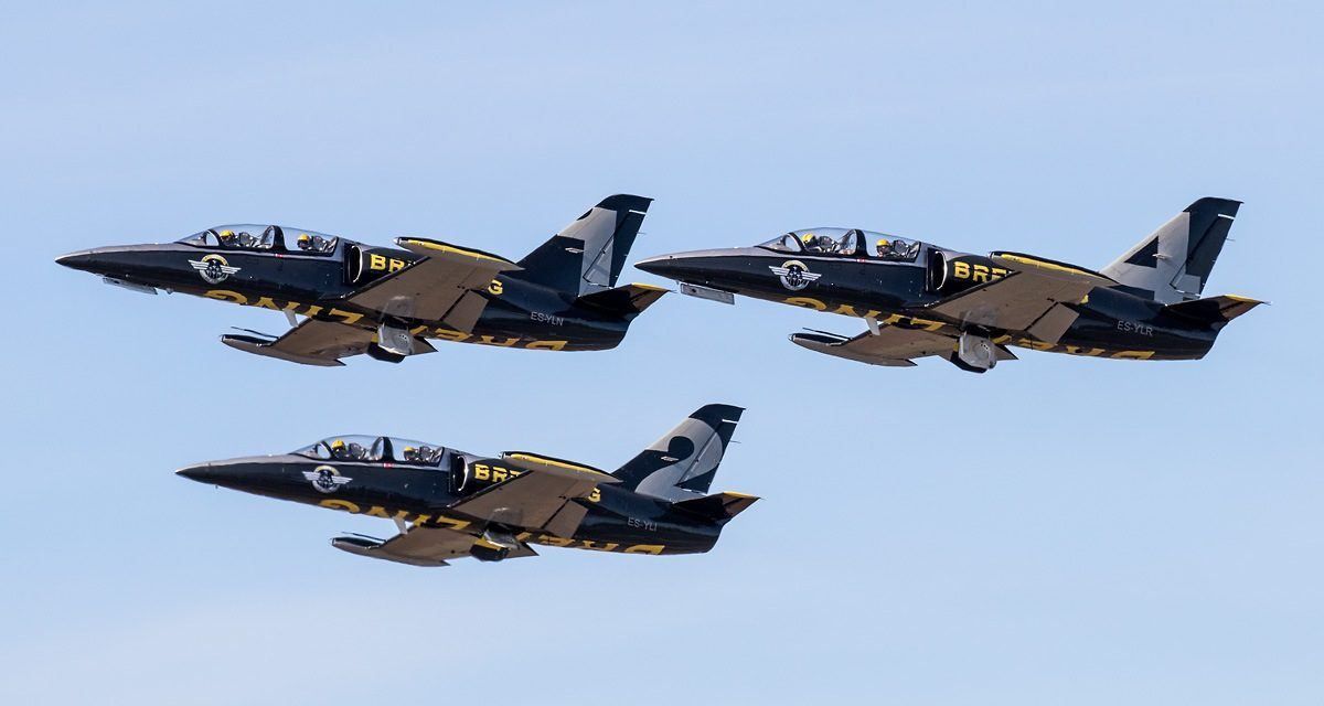 AIRSHOW NEWS: Apache Aviation Jet Team to continue display and experience flying operations